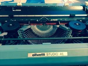 cinta de maquina de escribir dos rodillo negra y roja